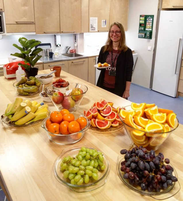 Suuren suosion saavuttanut hedelmäpäivä on taas käynnistynyt perjantain kunniaksi! 🤩🍎🍊 #meidänvsp #h...